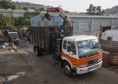 IMG_0478 ismtruck with crane operators